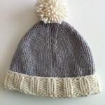 Il cappellino con ponpon